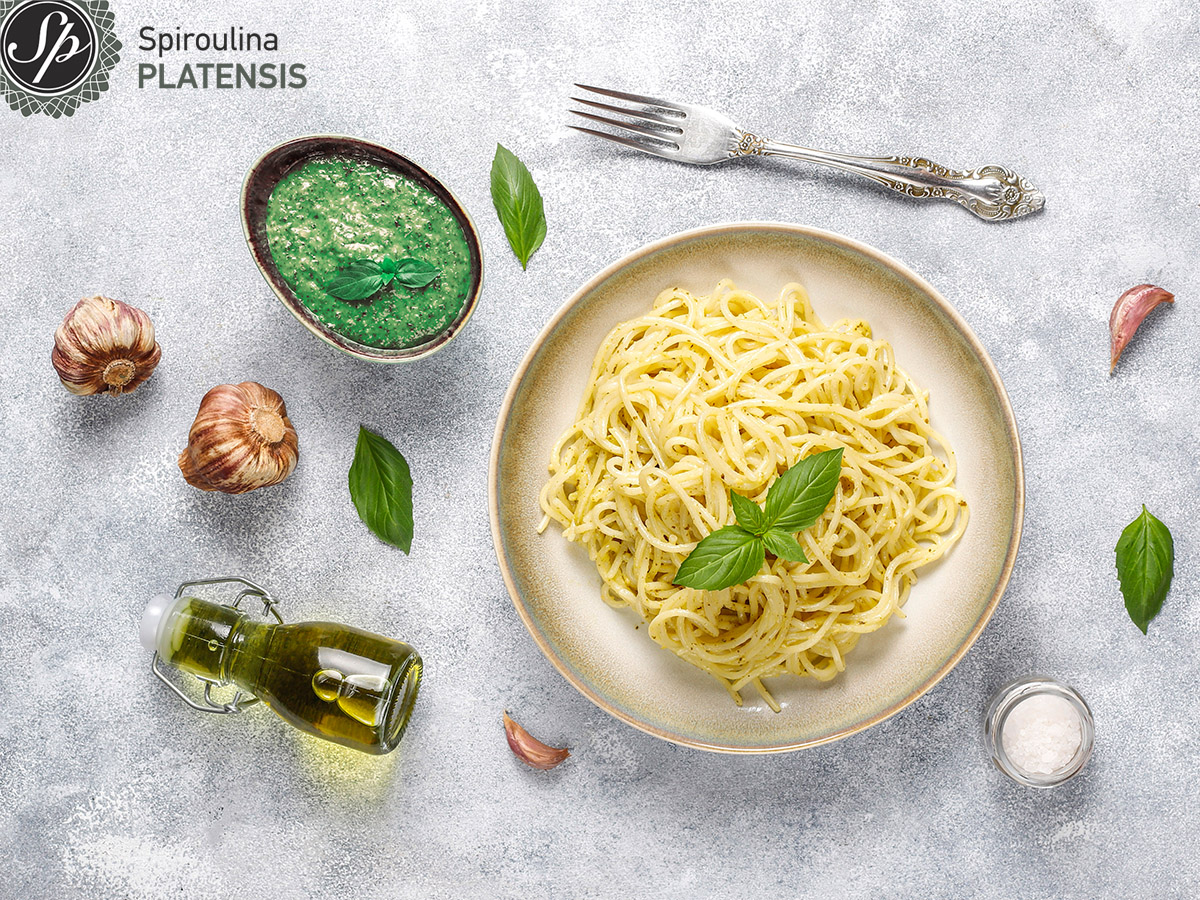 Μακαρόνια με sauce από spiroulina PLATENSIS
